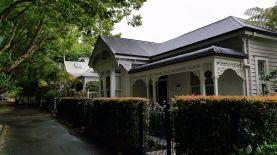 Cute house!